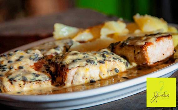 JANTAR OU ALMOÇO A DOIS! Salmão para 02 pessoas do Garden Restaurante!! Escolha entre: ao Molho de Maracujá OU com Batatas Sauté e Camarão na Manteiga!