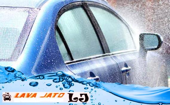 Seu Carro Brilhando! Lavagem Interna + Externa + Aspiração + Higienização de Painel + Pretinho nos Pneus por apenas R$ 17,50 no Centro de Prudente